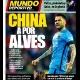 Futebol chinês pode tirar Daniel Alves do Barcelona, diz jornal
