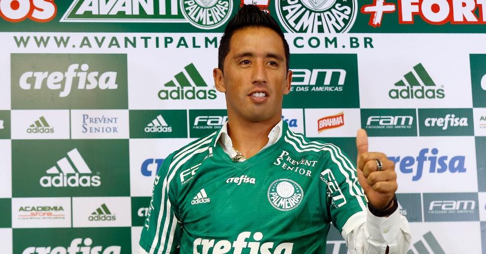 Atacante Lucas Barrios é apresentado no Palmeiras