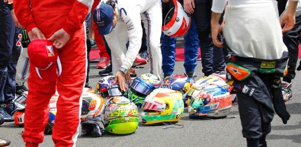 Felipe Massa se prepara para o minuto de silêncio de homenagem a Jules Bianchi