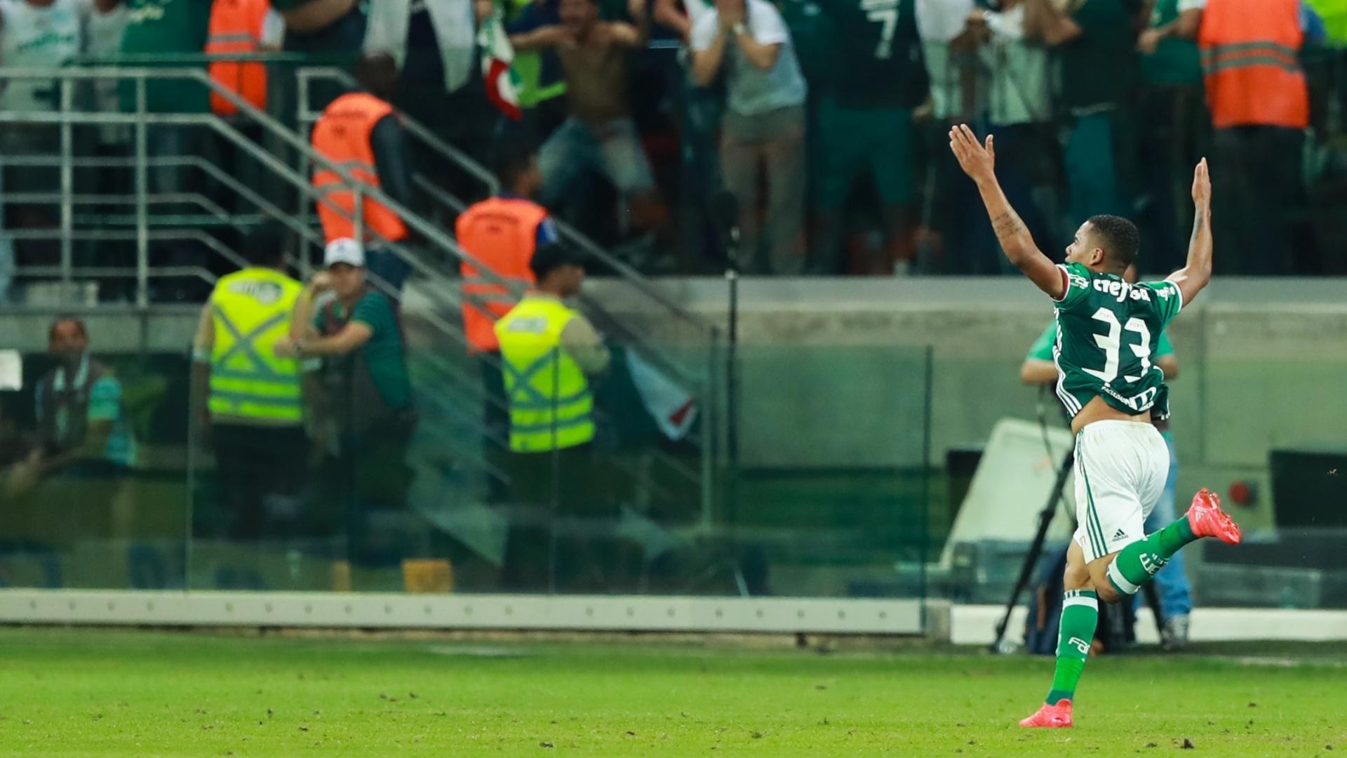 Gabriel Jesus marca para o Palmeiras contra o Flamengo