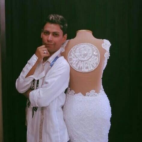 Ricardo Miller, estilista responsável pela confecção do vestido de casamento do Palmeiras