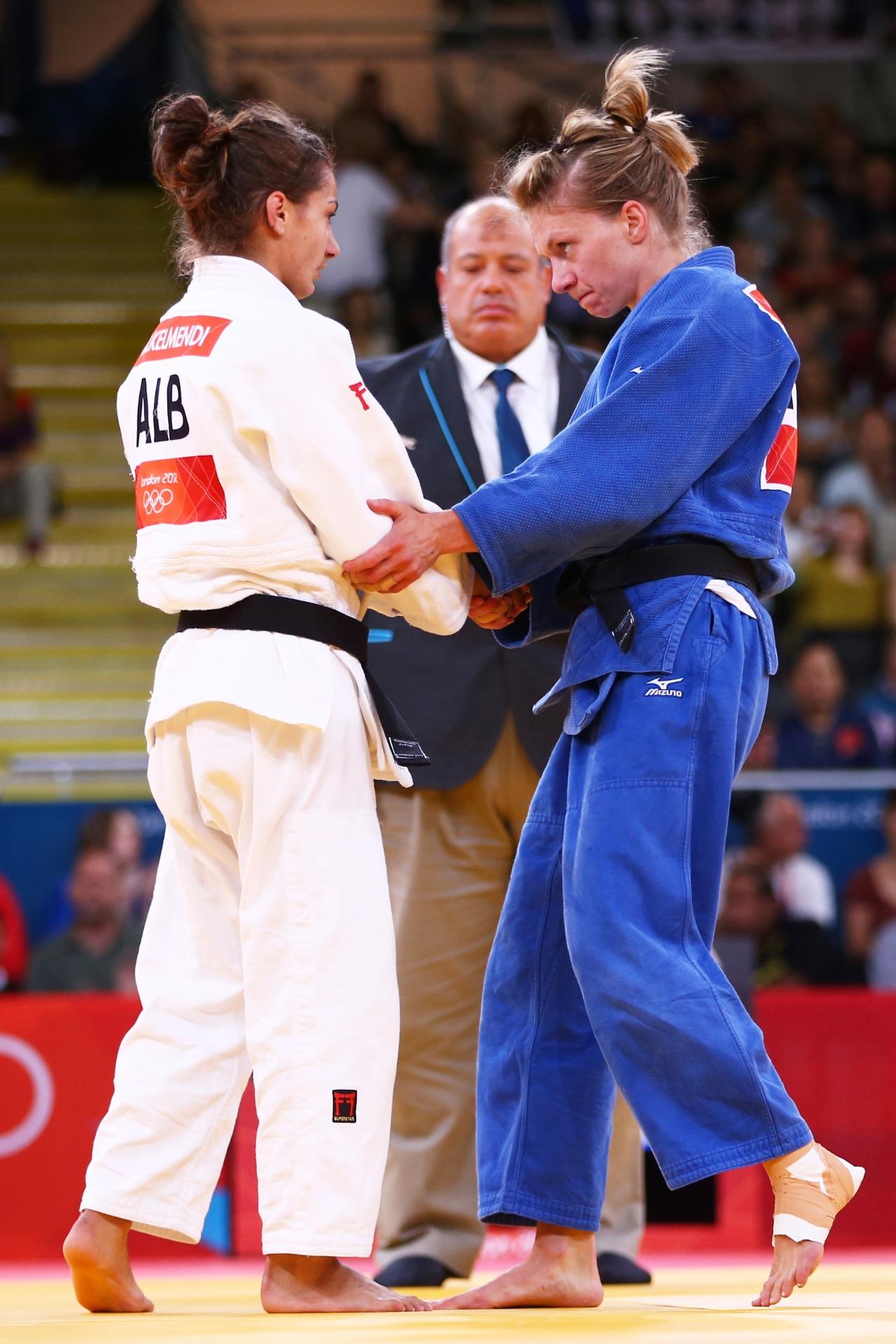 Mjlinda Kelmendi, do Kosovo, compete nos Jogos Olímpicos de Londres-2012 pela Albânia