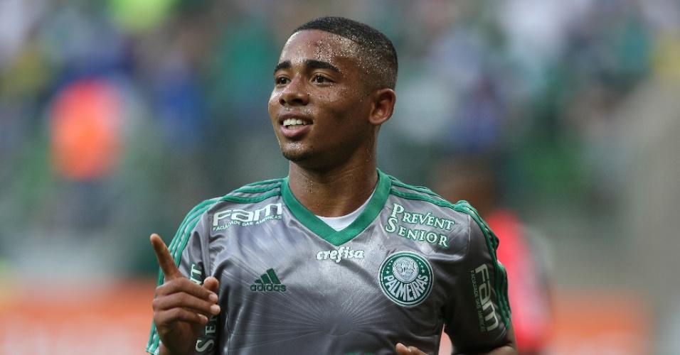 Gabriel Jesus celebra após marcar o gol da vitória do Palmeiras contra o Joinville