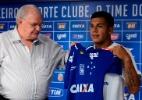 Diretor atua como tradutor e Romero se diz fã de ex-jogador do Corinthians