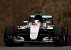 Mercedes defende Lewis Hamilton após