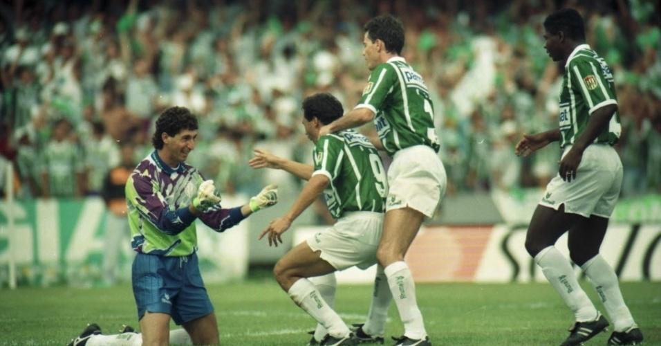 No Brasileiro, o Palmeiras usou o branco na conquista de 1993