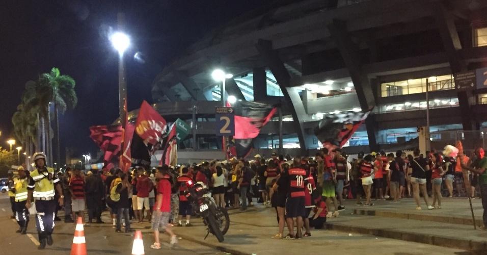 As organizadas do Flamengo também protestaram após a goleada por 4 a 1 sobre o Goiás