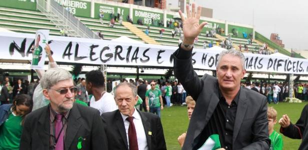 Seleção do técnico Tite enfrentará a Colômbia em jogo que homenageará vítimas de tragédia