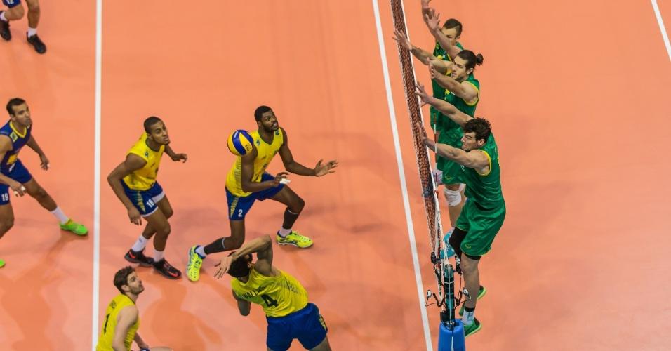 O bloqueio australiano anotou seis pontos, mas o brasileiro foi melhor e terminou com oito pontos
