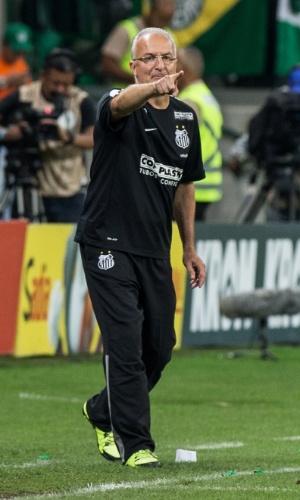 Dorival Junior orienta a equipe do Santos durante a final da Copa do Brasil