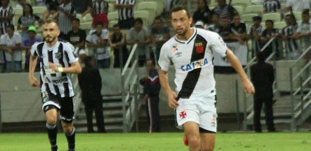 Ceará e Vasco jogando diante de 56 mil torcedores em Fortaleza