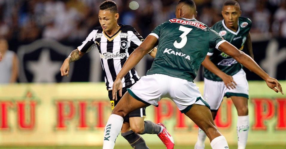 Atacante Neilton estreou neste sábado pelo Botafogo no empate sem gols contra o Luverdense