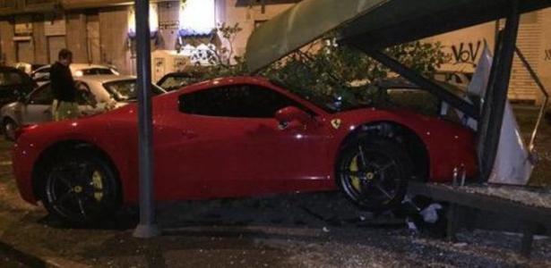 Martin Cáceres estaria saindo de casa noturna, segundo jornal italiano