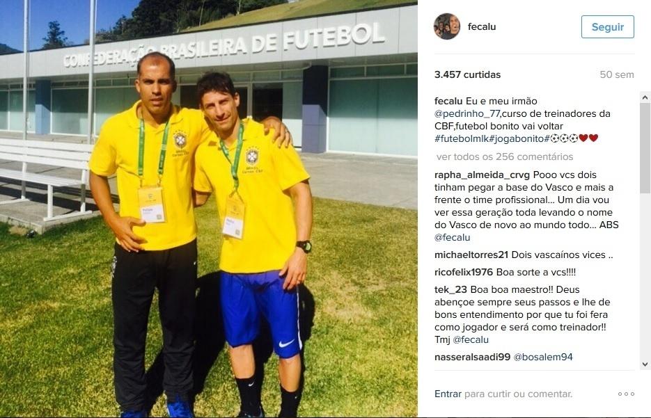 Os amigos e ex-jogadores Felipe e Pedrinho durante curso de treinadores na CBF