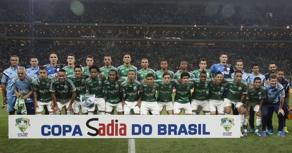Jogadores do Palmeiras posam para a foto oficial antes da partida