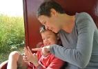"""Nova terapia cria """"superpais"""" e melhora condição de crianças autistas - BBC"""