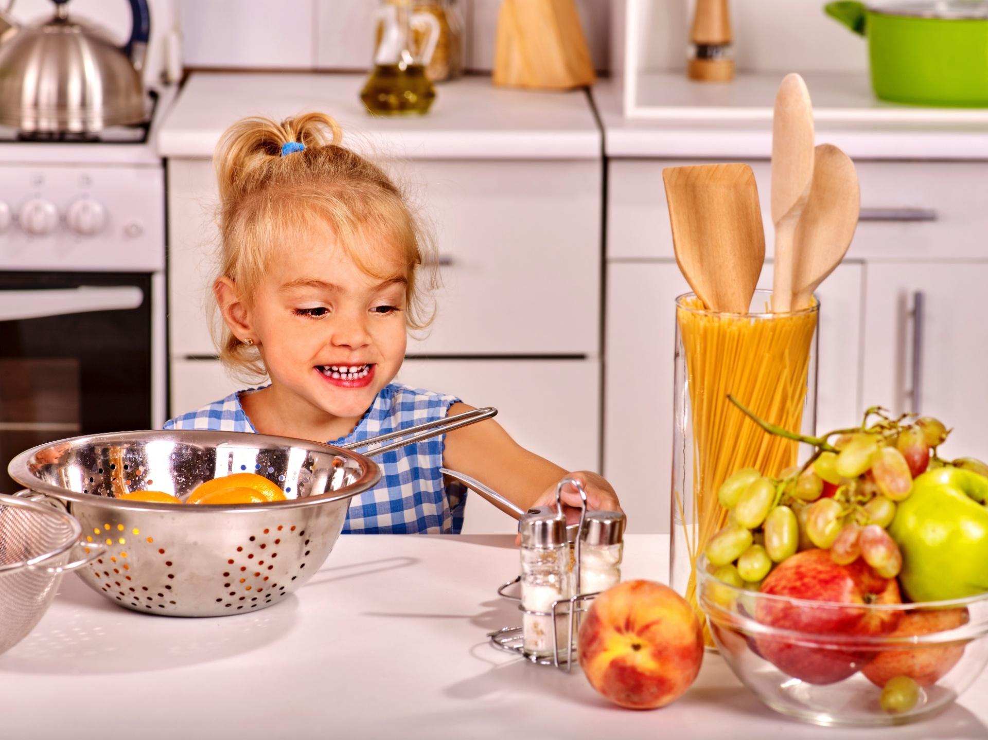 Criança, cozinha, gastronomia, independência