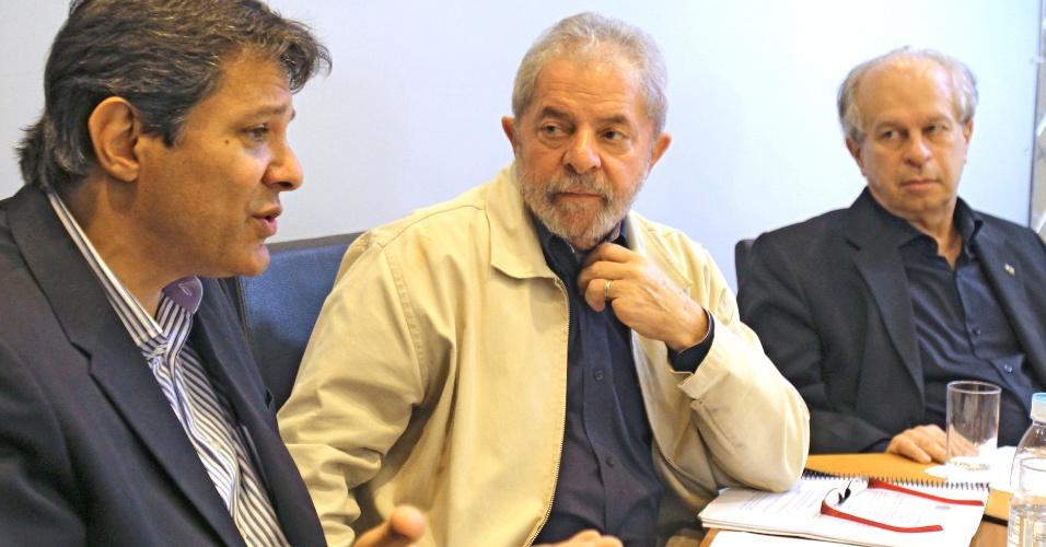 26.jun.2015 - Em reunião na sede do Instituto Lula, o ex-presidente Luiz Inácio Lula da Silva reúne políticos para debater a aplicação e o desenvolvimento do Plano Nacional de Educação (PNE)