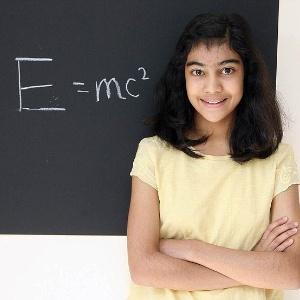 Lydia Sebastian, 12 anos, tem QI maior que Einstein e Stephen Hawking
