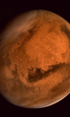 MARTE PELOS OLHOS DO ROBÔ - Imagem do planeta Marte obtida pela sonda Mars Orbiter Mission foi divulgada pela Organização de Pesquisa Espacial da Índia (ISRO, na sigla em inglês). O robô de bilhões de dólares foi enviado ao planeta vermelho para procurar possíveis fontes de vida habitáveis por lá