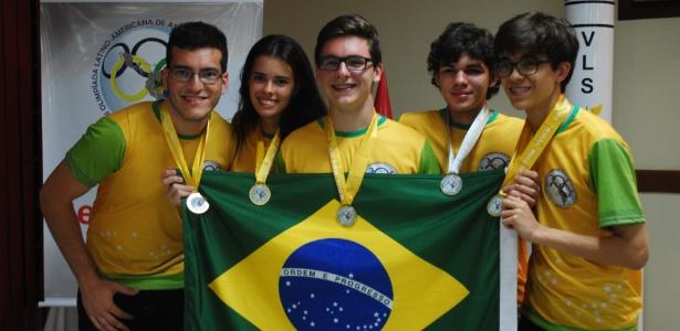 Da esq. para a dir.: Renner Lucena, Ana Schuch, Gustavo Guedes, Leonardo Martins e Vítor Gomes