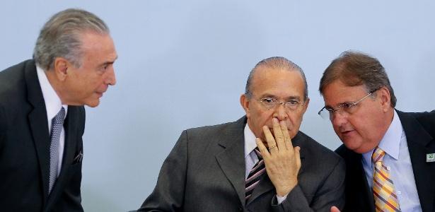 Temer, Padilha e Geddel (à dir.) em reunião em Brasília