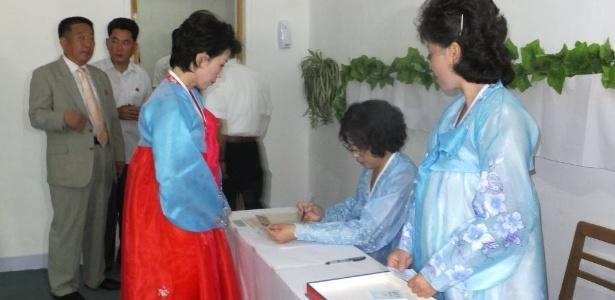 Eleitores votam em Pyongyang