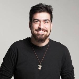 """Gabriel Estrëla, 23, criou a peça """"Boa Sorte"""" sobre como é viver com HIV"""