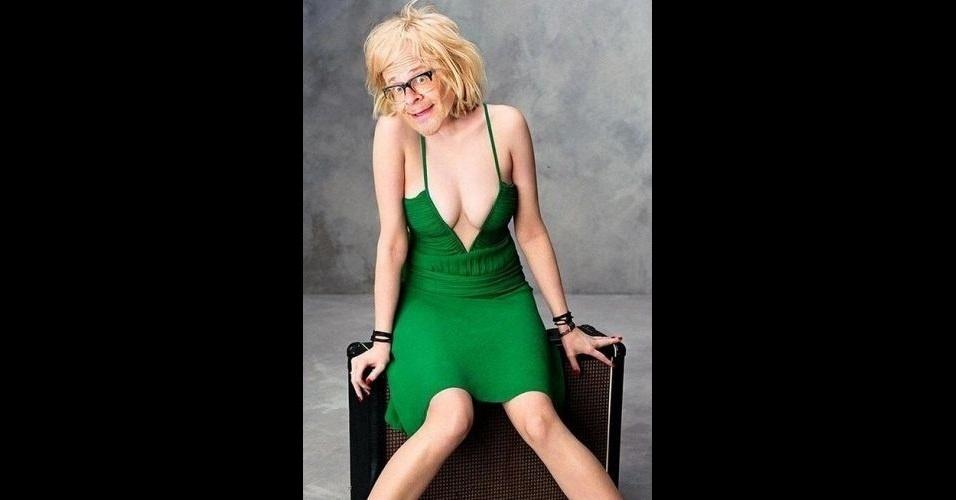 """O site """"The Poke"""" reuniu imagens da modinha na web que mistura duas celebridades em uma imagem só. Na foto, Debbie Harry e Harry Hill"""