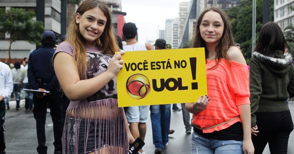 2.jun.2013 - As estudantes Juliana Gharib, 15, e Rafaela Vidal, 15, dizem