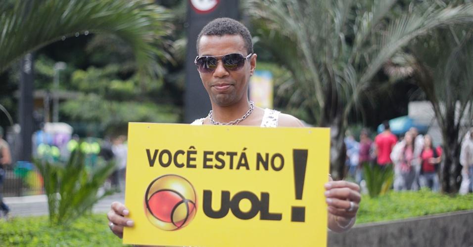 2.jun.2013 - Para o operador de injetora, Élcio Paulino, 40, a frase que resume a 17ª Parada Gay de São Paulo é