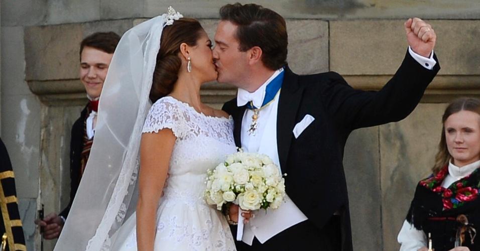 8.jun.2013 - A princesa Madeleine, filha mais nova do rei da Suécia, casou-se neste sábado (8) com o financista americano Christopher O'Neill em Estocolmo sob um sol radiante e presenças de representantes de várias casas monárquicas.