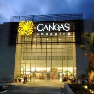 Fachada do Canoas Shopping, onde uma criança de três anos morreu após cair da escada rolante