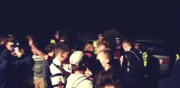 A festa foi combinada em um grupo privado no Facebook, mas teve presença de dezenas de ''penetras''