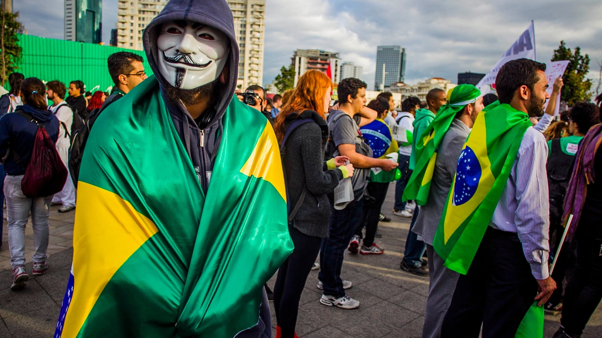 O brasileiro é quem deve fazer Política no Brasil