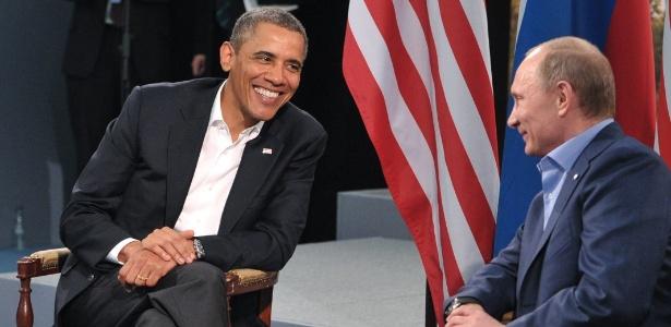O russo Vladimir Putin (à direita) e o norte-americano Barack Obama em encontro em junho de 2013