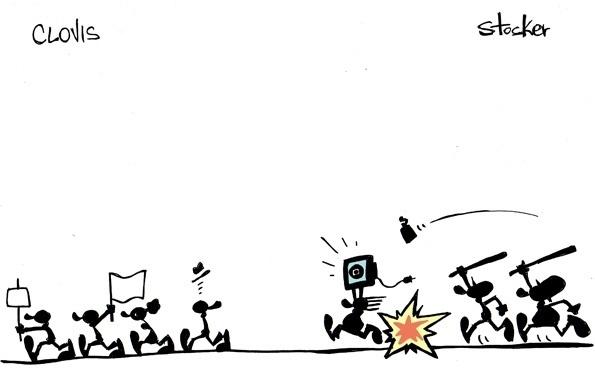 19.jun.2013 - Os cartunistas Clovis e Stocker representam uma divisão na manifestação: de um lado protesto pacífico, do outro saques e cassetetes