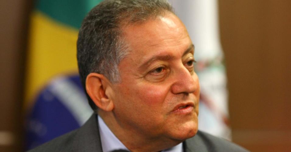 O Secretario de Transportes, Fabricio Sampaio (foto) e o governador de Minas Gerais, Antonio Anastasia, anunciam a redução de R$ 0,15 no preço da passagem em ônibus intermunicipais, em Belo Horizonte, nesta quinta-feira. A tarifa agora é de 3,30 reais