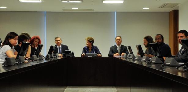 Dilma Rousseff recebeu nesta segunda-feira (24), no Palácio do Planalto, integrantes do MPL (Movimento Passe Livre) de SP