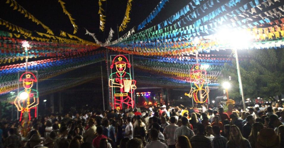 24.jun.2013 - Pessoas se reúnem em Santo Estevão, a cerca de 190 km de Salvador, no último dia de festa junina na cidade