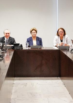 A presidente Dilma Rousseff em reunião com os presidentes dos partidos que compõem a base aliada no Congresso Nacional