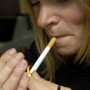 Escócia promete diminuir número de fumantes de 23% para 5% até 2034