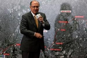 O governador Geraldo Alckmin (PSDB-SP) durante anúncio de lançamento da consulta pública para o edital da PPP que prevê a construção de novo metrô