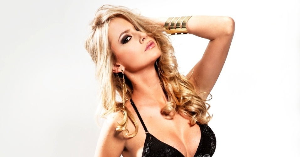 11.jul.2013 - Sancler Frantz, amiga do UOL Tabloide e Miss Brasil World 2013, é linda de viver! Sua preparação para o concurso Miss World, em 28 de setembro na Indonésia, está a mil