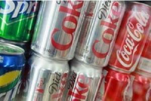 Refrigerantes e outros produtos ricos em açúcar podem estar ligados a casos de câncer intestinal