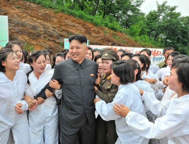 """""""Liberdade Comunista"""": Ditador da Coreia do Norte impõe o próprio corte de cabelo aos homens do país"""