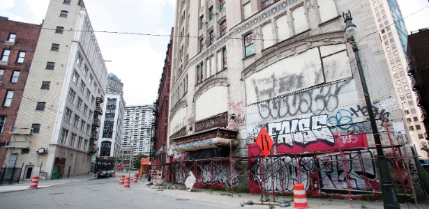 A cidade de Detroit (EUA), que tem dívidas de US$ 15 bilhões, declarou na quinta-feira (18) a maior falência municipal da história americana