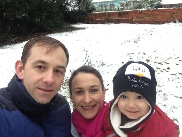 23.jul.2013 - O internauta Marcelo Allage diz que a neve em Canoinhas (SC) chegou a acumular em uma altura de 10 cm nas ruas da cidade