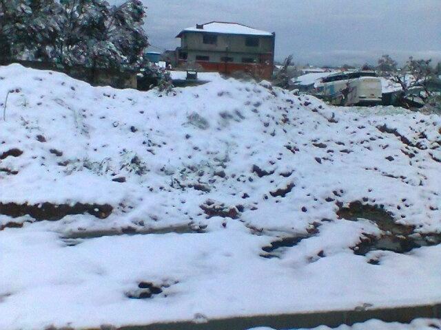 25.jul.2013 - O internauta Everton Santos Ferreira mostra a nevasca em Papanduva (SC)