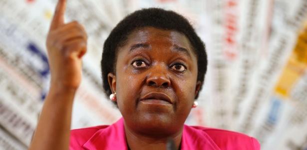 Cecile Kyenge, a primeira ministra negra da Itália é vítima de ataques racistas com frequência